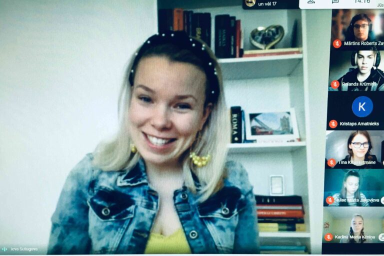 Mūzikas pārbaudes darbā skolēni intervē dziedātāju Ievu Sutugovu