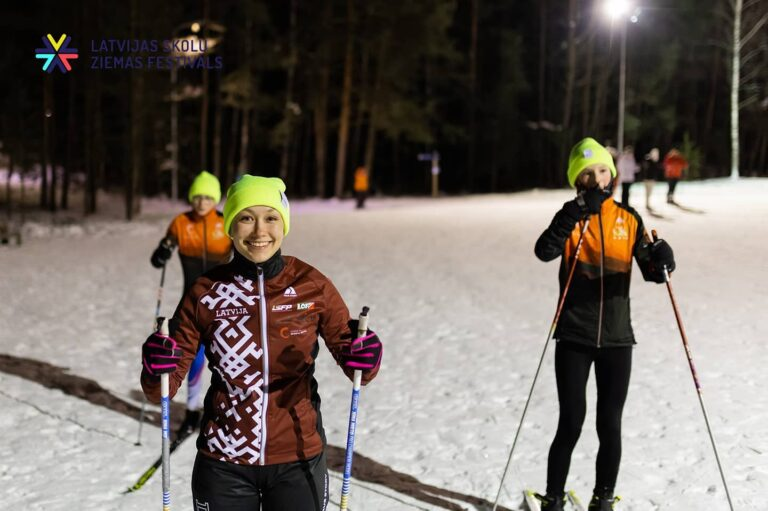 Skolēni aktīvi sporto un piedalās virtuālajā Ziemas festivālā